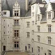 Le château renaissance de Pau où naquit Henri IV